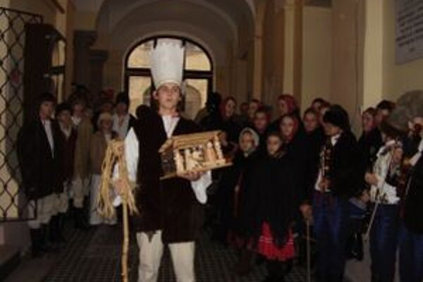 Po dedine chodili Betlehemci, ktorí slovom a spevom priblížili narodenie Ježiška v Betleheme