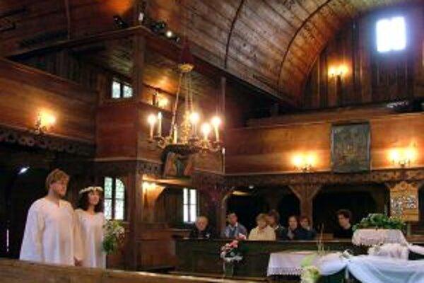 Okrem magických dátumov si snúbenci vyberajú aj netradičné priestory pre sobáš.