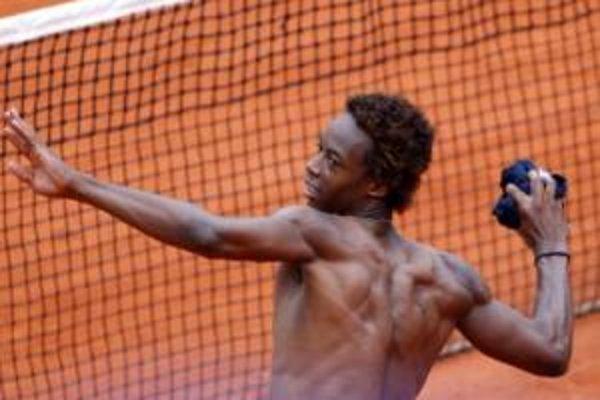 Francúzsky tenista Gael Monfils postúpil do semifinále Roland Garros.