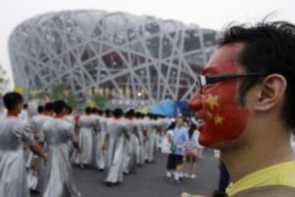 Číňaňia boli na domácej pôde neudržateľní.