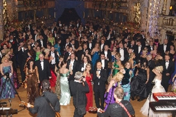 Plesovú sezónu tradične otvára ples v Opere.