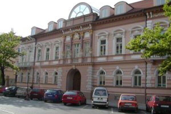 V Galérii M.A. Bazovského otvoria v piatok 3. júla dve výstavy.