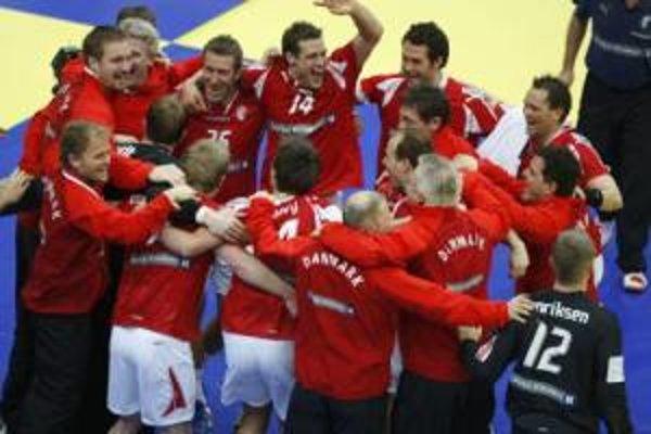 Hádzanári Dánska sa tešia z titulu majstrov Európy.