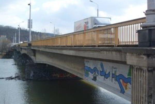 Trenčiansky most by už dlho jediný byť nemusel.