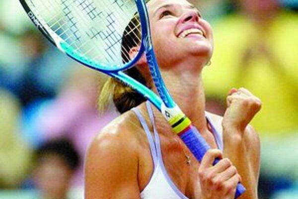 Dominika Cibulková má dôvod na radosť. V Prahe zvíťazila nad druhou nasadenou Giselou Dulkovou z Argentíny. FOTO – TASR