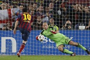 Takto strelil Messi prvý gól zápasu Barcelony s AC Miláno.