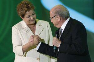 Prezident FIFA Joseph Blatter prezidentka Brazílie Dilma Rousseff.