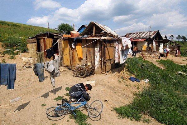 Z osady je do otroctva najbližšie.