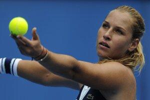 Dominika Cibulková v treťom kole porazila Carlu Suarezovú Navarrovú za hodinu a stratila jedinú hru.