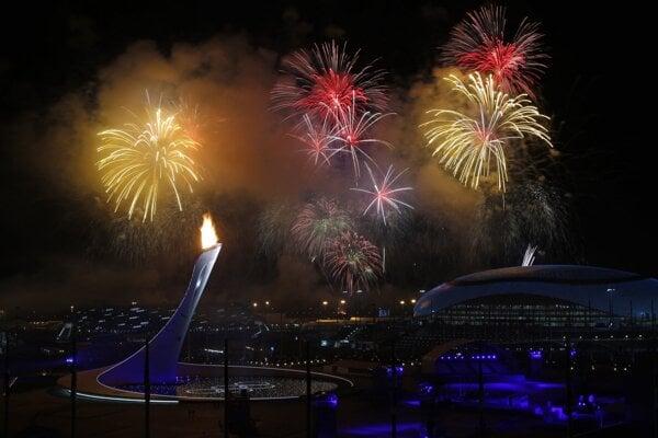 Ceremoniál zakončil obrovský ohňostroj, ktorý pozostával z vyše 3500 rakiet.