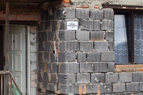 Čierne stavby chce riešiť nový stavebný zákon.