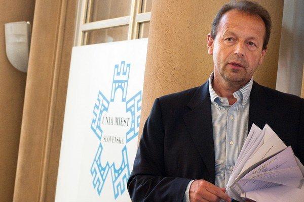 Primátor Prešova Pavel Hagyari považuje šírenie vtipov o Rómoch za neškodné.