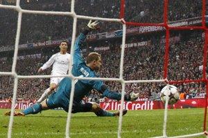 Svoj rekordný gól strieľa Cristiano Ronaldo.