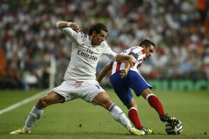 Gareth Bale (vľavo) a Koke.
