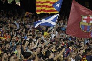 V Barcelone viala katalánska aj škótska vlajka.