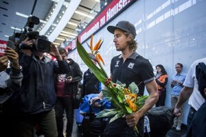 Po zisku titulu svetového šampióna priletel slovenský cyklista Peter Sagan do Európy.