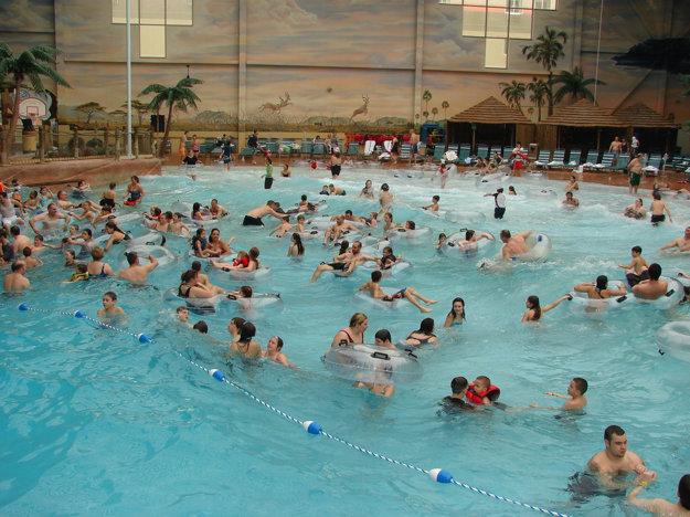Bazén s vlnobitím imituje pocity ako v skutočnom mori.
