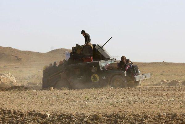 Iracké protiteroristické sily pomohli v posledných dňoch opustiť Hít viac ako 10.000 civilistom.
