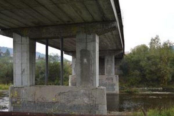 Životnosť mosta končí, zo statického hľadiska treba jeho stav urgentne riešiť.