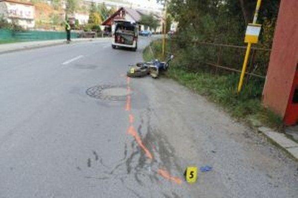Tragická nehoda, pri ktorej vyhasol život 17-ročného mladíka z Čierneho, sa stala v Skalitom.