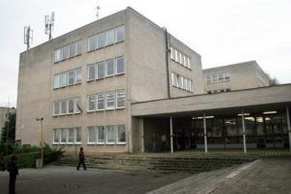 Základnú školu M.R. Štefánika v Čadci navštevuje 488 žiakov.