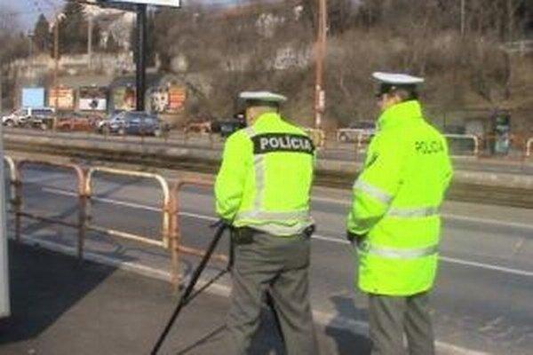 Policajti zadržali uplynulý týždeň policajti 47 podgurážených vodičov motorových vozidiel.