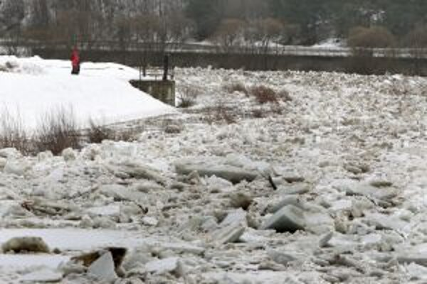 Rieka Kysuca má v zime aj takúto podobu.