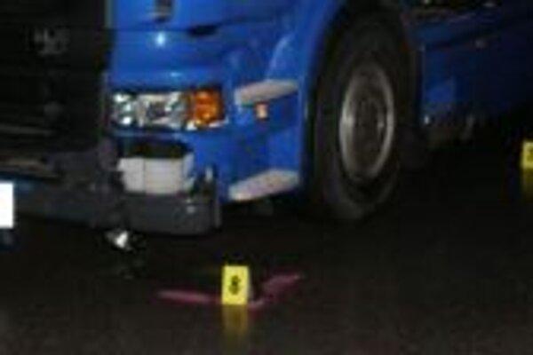 Včerajšia dopravná nehoda v Povine skončila tragicky.