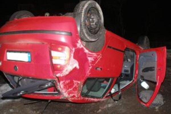 Na vozidle vznikla predbežná škoda vo výške 1 800 €.