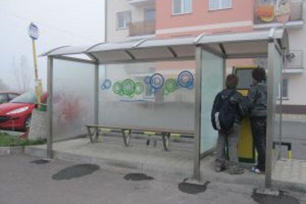 V uliciach Krásna nad Kysucou pribudli vďaka peniazom z Európskej únie kiosky s bezplatným pripojením na internet.