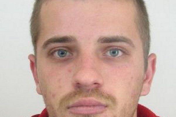 Z výtržníctva obvinili 25-ročného Martina Kullu z Čadce.