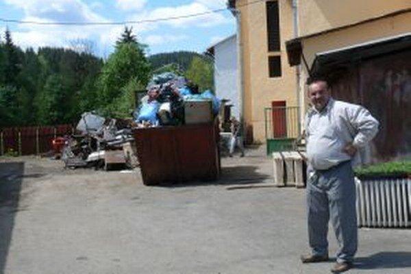 Starosta Korne Jozef Kontrík (na snímke) hovorí, že likvidácia odpadov nie je lacnou záležitosťou.