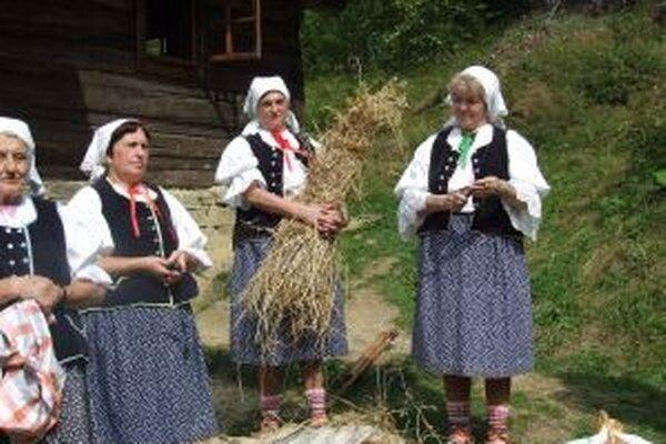 Kysucký skanzen bude dnes obohatený zvykmi, tradíciami, piesňami a hudbou  z Kysúc.