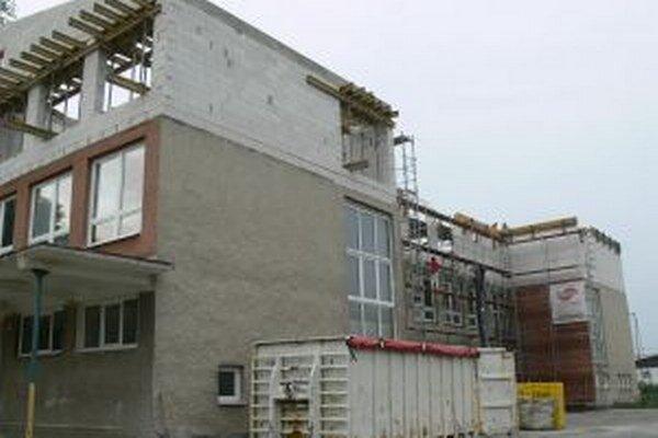 V Turzovke pokračujú s nadstavbou školy.