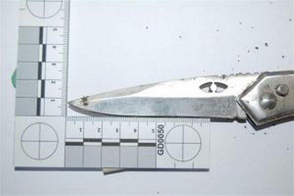 Až desaťročný trest hrozí 19-ročnému Kysučanovi, ktorý bodol nožom 18-ročného muža.