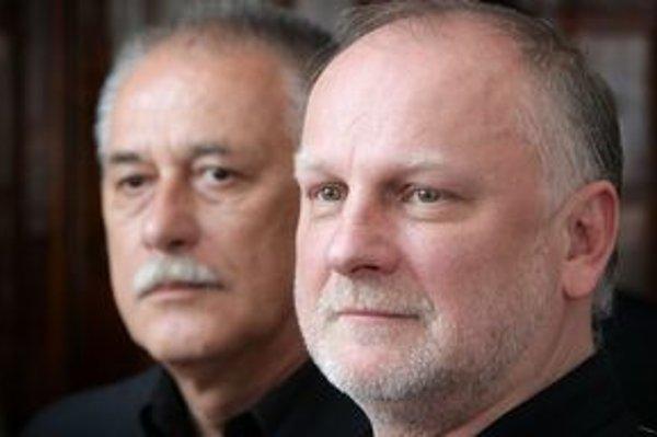 Slovenské národné divadlo oddnes vedie Milan Vajdička (vzadu). Doterajší generálny riaditeľ Ondrej Šoth odstúpil.