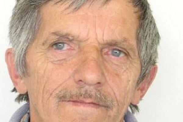 Po 69-ročnom Jánovi Kavalkovi pátra polícia.
