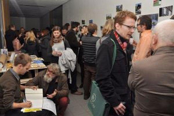 Putovnú výstavu otvorili  v Brne na Fakulte architektúry VUT, teraz ju prevezú na Kysuce, kde ju budú môcť vidieť obyvatelia jednotlivých miest a obcí.