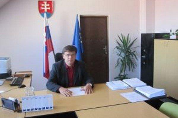Riaditeľ ÚPSVaR v Čadci hovorí, že pri kontrolách nezaznamenali prípady nelegálneho zamestnávania.