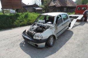 Na vozidle vznikla škoda za 3-tisíc eur. Vodič, našťastie, vyviazol s ľahkým zranením.