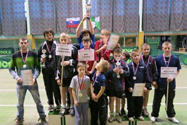 MSR družstiev mladších žiakov, zľava: Oravan Námestovo, MSK Čadca, Vranov nad Topľou.