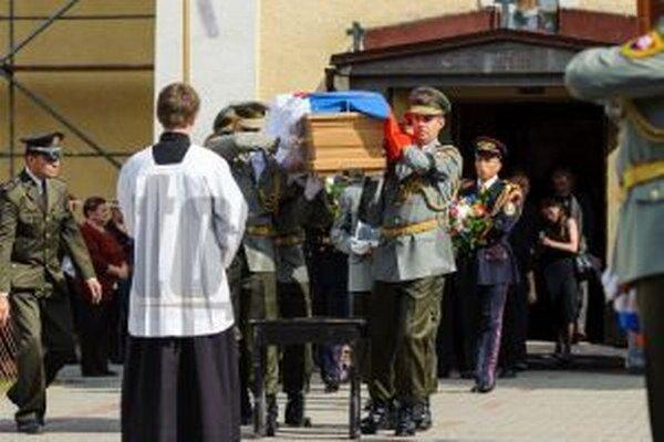 Tridsaťpäťročný čatár Daniel Kavuliak bol rodákom z Turzovky, kde žil so svojou rodinou. Odišiel na vojenskú misiu do Afganistanu. Už sa z nej nevrátil.