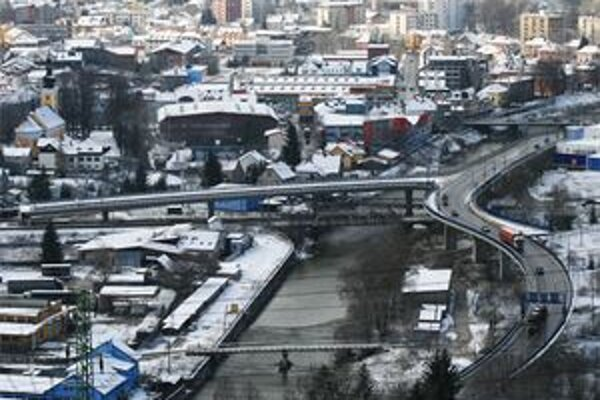 Diaľnica na Kysuciach je zatiaľ hudbou budúcnosti.