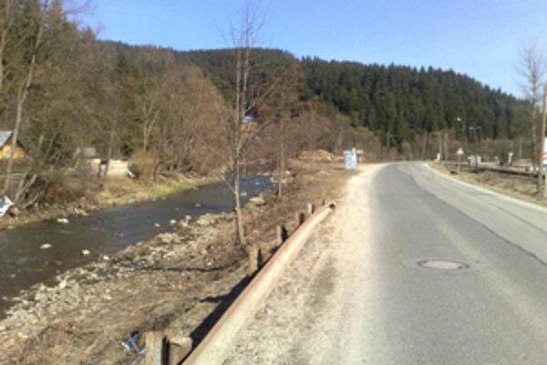 Niektoré cesty v regióne sa dočkajú opravy.