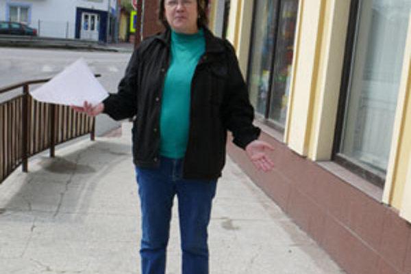 Predsedníčka Združenia Klinček Mária Balážová (na snímke) hovorí, že Liga proti rakovine investovala do onkologického oddelenia v Čadci nemalé peniaze.