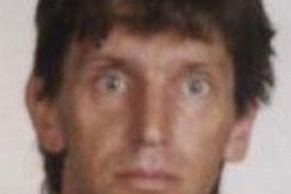 Na Ľubomíra Mrenku vydal súd príkaz na zatknutie.