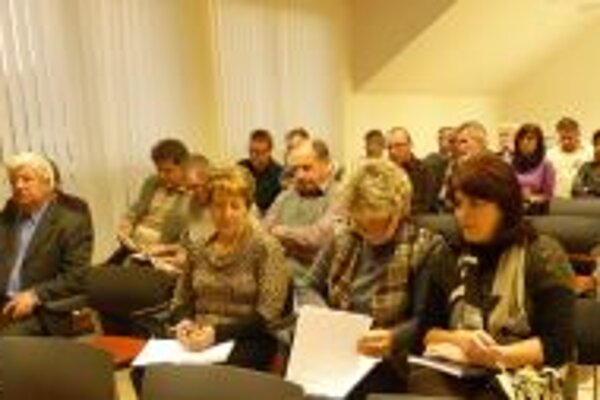 V Skalitom sa stretli poslanci z troch obcí.