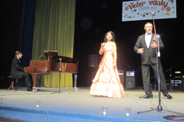 Diváci si vychutnali umelecký zážitok v podaní Oľgy Bezačinskej a Martina Babjaka.