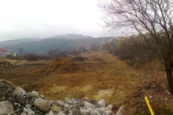 Minuloročné práce na obchvate zahŕňali aj úpravu terénu.