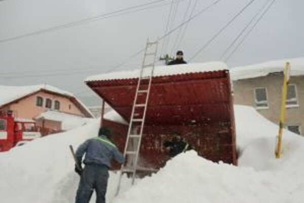 Kysucké obce minuli nemalé peniaze na odstraňovaní snehu počas kalamity. Pohltili ich pohonné hmoty, pracovná sila i mechanizmy.